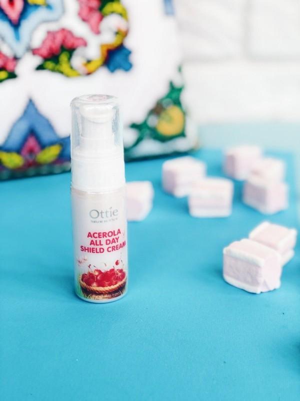 Ottie Acerola All Day Shield Cream